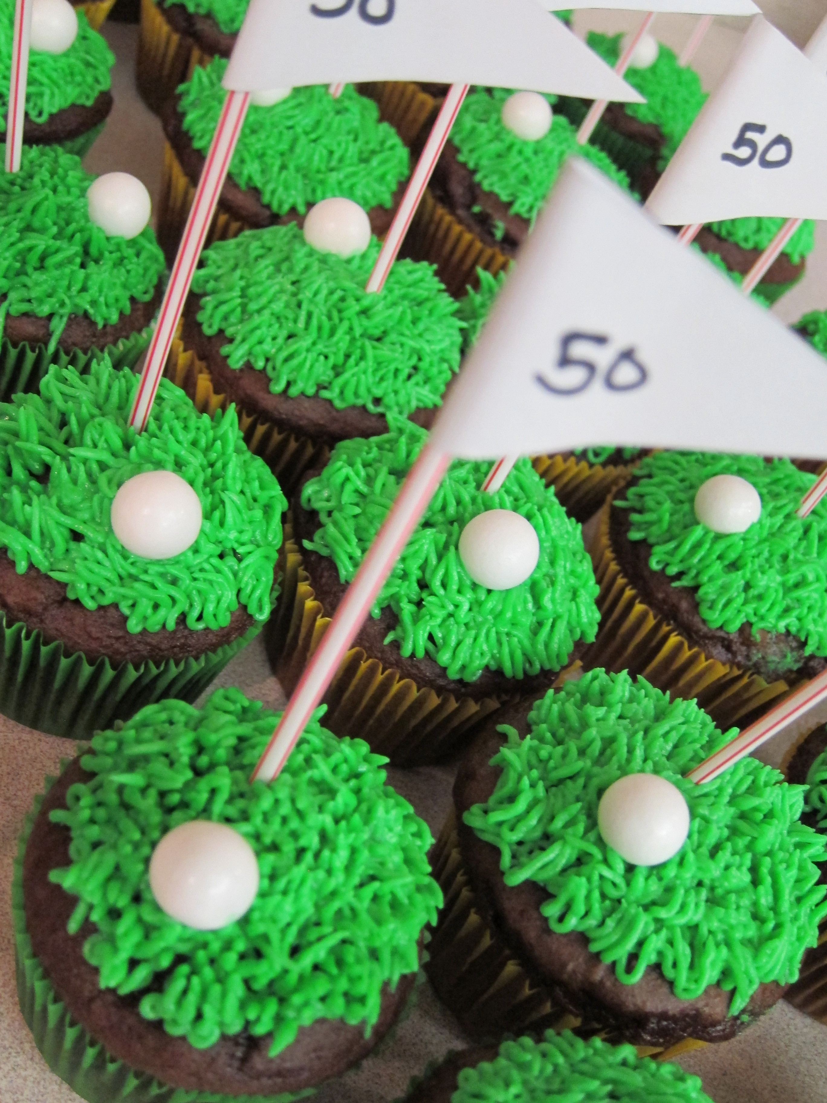 golf cupcakes Shake Bake and Party