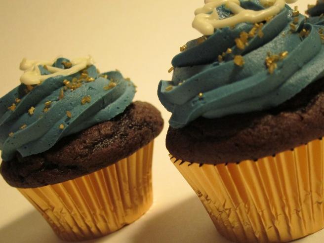 Navy Cupcakes 3