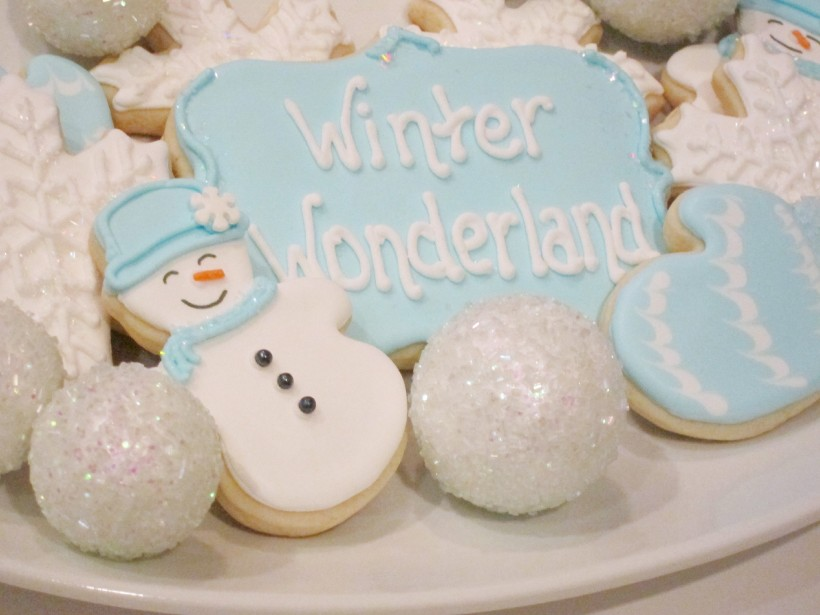 Snowmen, Snowflake and Mitten Cookies | Shake Bake and Party