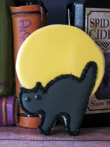 Black Cat/Full Moon Halloween Cookie | Shake Bake and Party