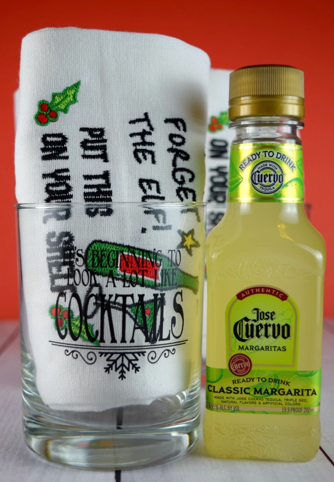 Inexpensive Christmas Gifts with a Boozy Twist from Shake Bake and Party #margarita #christmas #cocktails